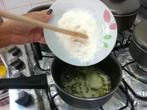 Acrescentando a farinha