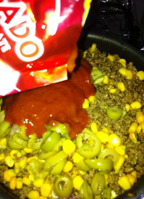 Carne moída refogada com molho de tomate