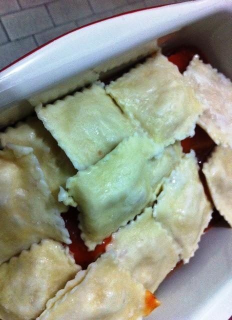 Segunda camada de raviolli de linguiça e queijo minas da il Canto