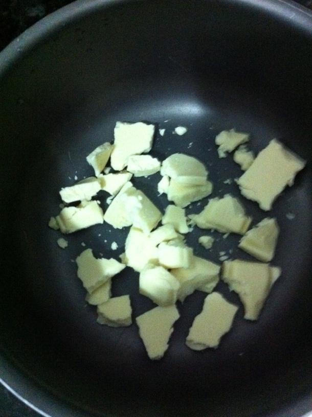 Chocolate branco em banho-maria