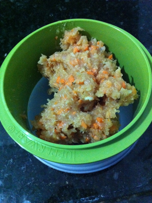Coloque a quantidade suficiente para fazer um bife no molde