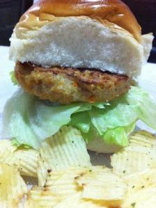 Hambúrguer de frango caseiro assado