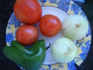 Pimentão, tomates e cebola
