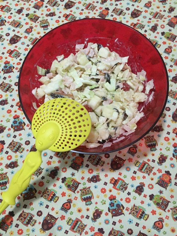 Salada de abacaxi e peito de peru